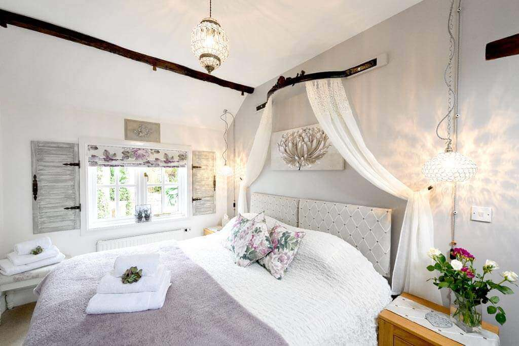 Meadowview Cottage a luxury cottage Cornwall. Imagine waking with a view to the garden in this superking room at our family friendly and romantic luxury self catering cottage in Cornwall
