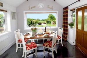 Dining-Room-View-1-Meadowview-Cottage-Luxury-Cottage-Cornwall (1)