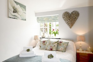 Double-Bedroom-Meadowview-Cottage-Luxury-Cottage-Cornwall-1