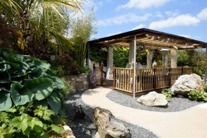 Covered Decking Area Meadowview-Cottage-luxury-cottage-cornwall