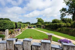 Enjoy garden and meadow views at our luxurious Cornwall cottage