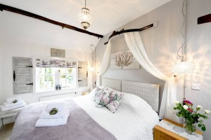 Master-Bedroom-Meadowview-Cottage-luxury-cottage-cornwall