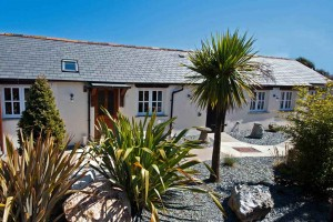 Meadowview-Cottage-Tropical-Garden at our luxurious Cornwall cottage